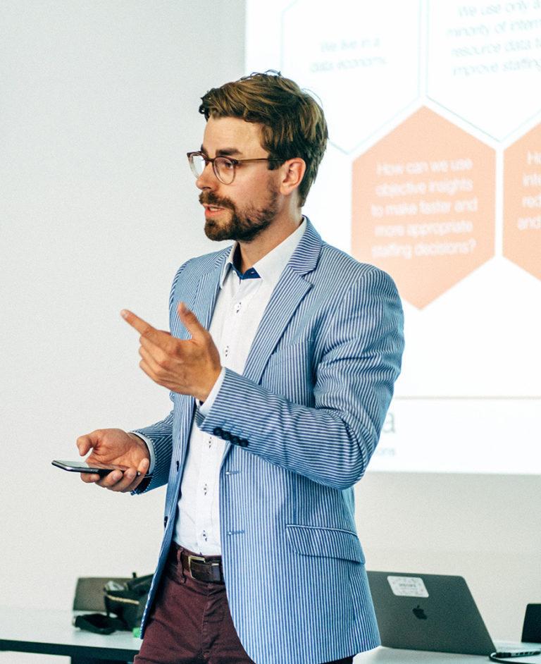 Dr. Alexander Grimm von der Aspaara Algorithmic Solutions AG