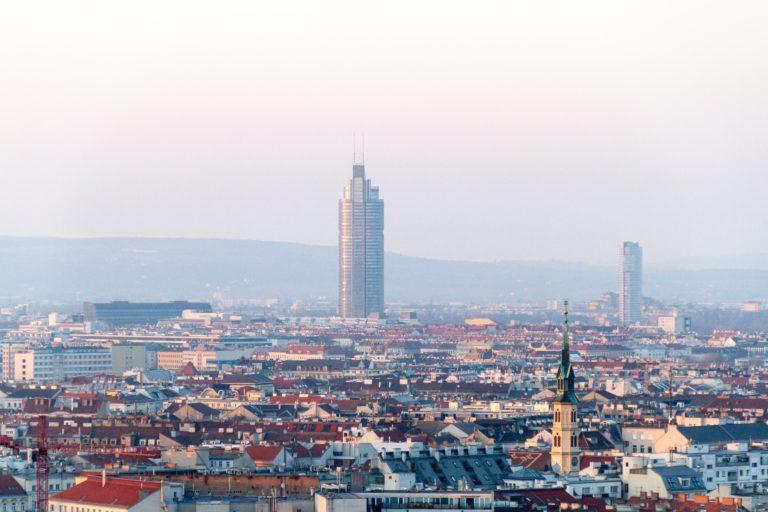 PriceHubble erreicht den nächsten Meilenstein bei der internationalen Expansion und übernimmt das österreichische Proptech Checkmyplace