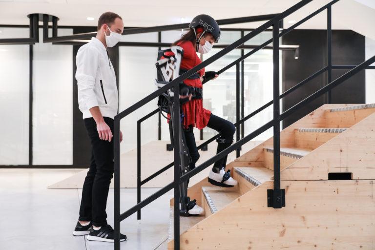 Baloise baut Ökosystem Mobilität durch Partnerschaft mit Exoskeleton-Spezialist TWIICE aus